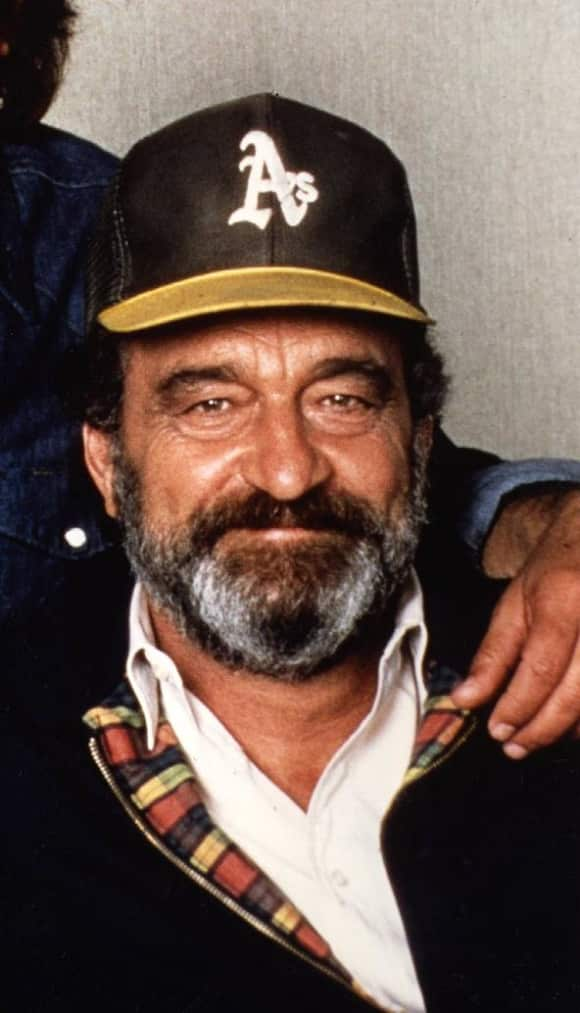 "Victor French played ""Mark Gordon"", who always helped ""Jonathan Smith"" out."